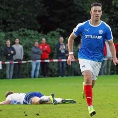 20190821 Maximilian Zoch feiert seinen zweiten Treffer gegen Niendorf