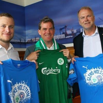 Oberbürgermeister Ulf Kämpfer empfing Mike McNeill (li.) und Wolfgang Schwenke, die Geschäftsführer der beiden Kooperationspartner.