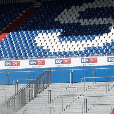 20200925 Sky Bet Werbung im Holstein Stadion