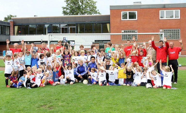 Störche begeistern Fußball-Kids