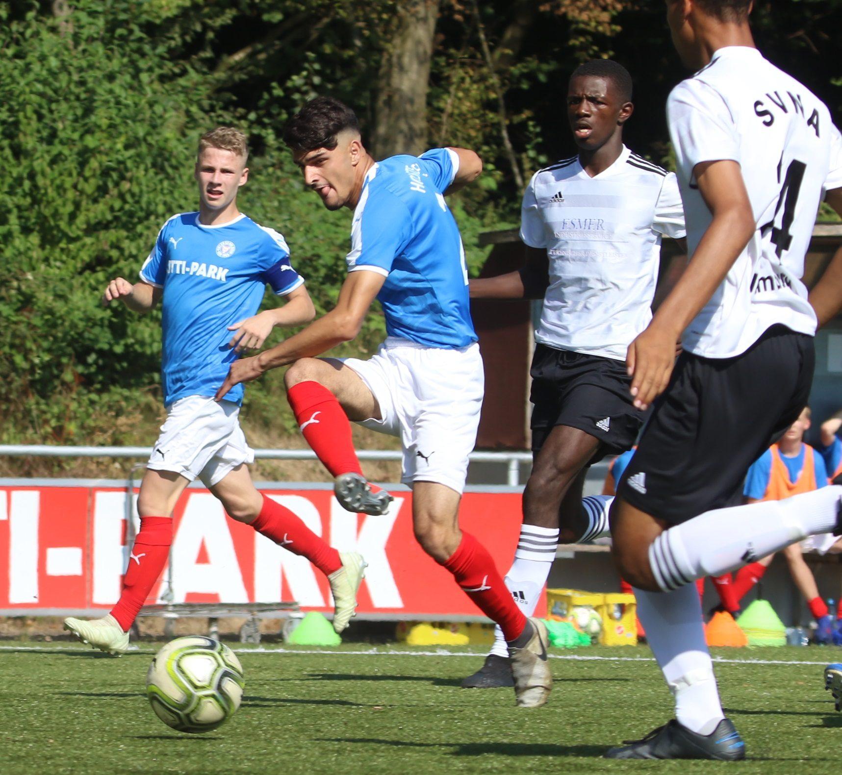 20190831 Der Kieler Sadjad Rezai zieht gegen Nettelnburg ab