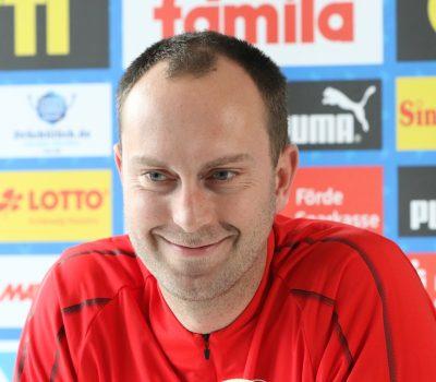 Ole Werner in der Pressekonferenz wird Cheftrainer der KSV Holstein. 24.10.2019
