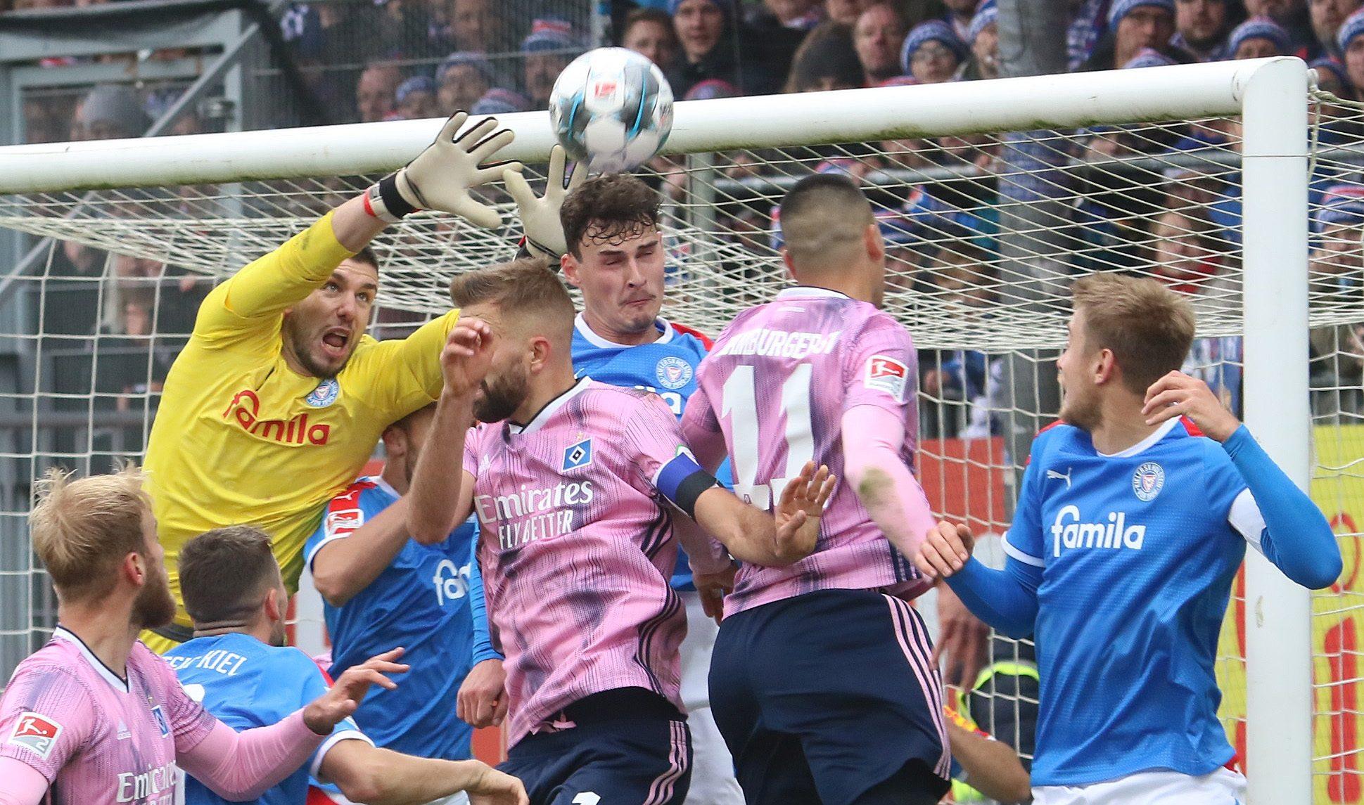 20191109 Ioannis Gelios wenige Sekunden vor dem Hamburger Ausgleich unter Druck