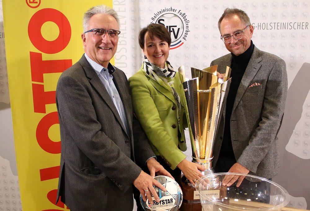 20191118 Masters Turnierchef Klaus Kuhn Nordwestlotto Chefin Karin Seidel und SHFV Präsident Uwe Döring in Malente