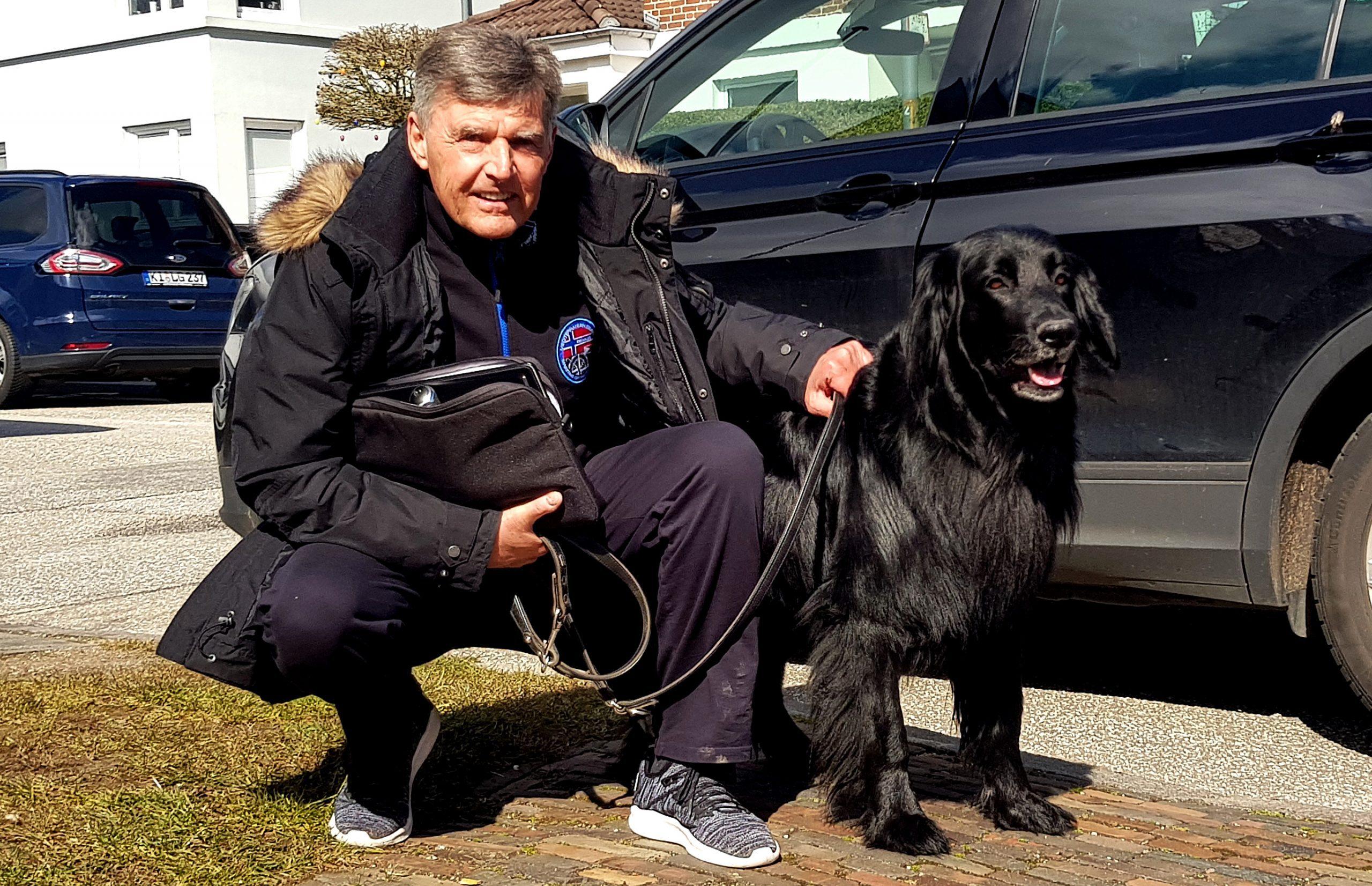 20200330 Holsteins Urgestein Harry Witt vor seinem Haus an der Forstbaumschule in Kiel 03