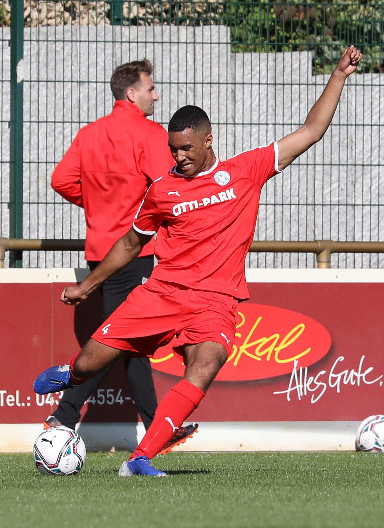 20200920 Kiels Kevin Mamiza gegen Hertha 01