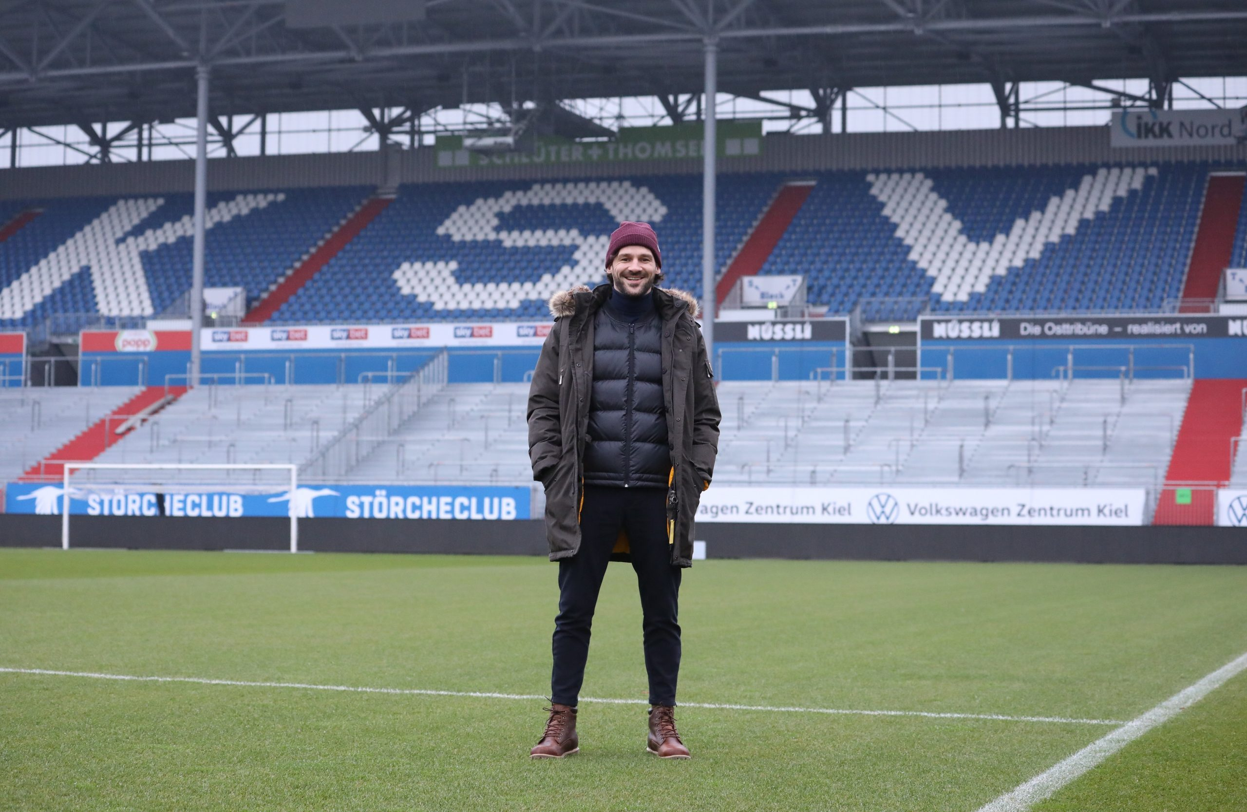 20201229 Kenneth Kronholm zu Besuch im Holstein Stadion 04