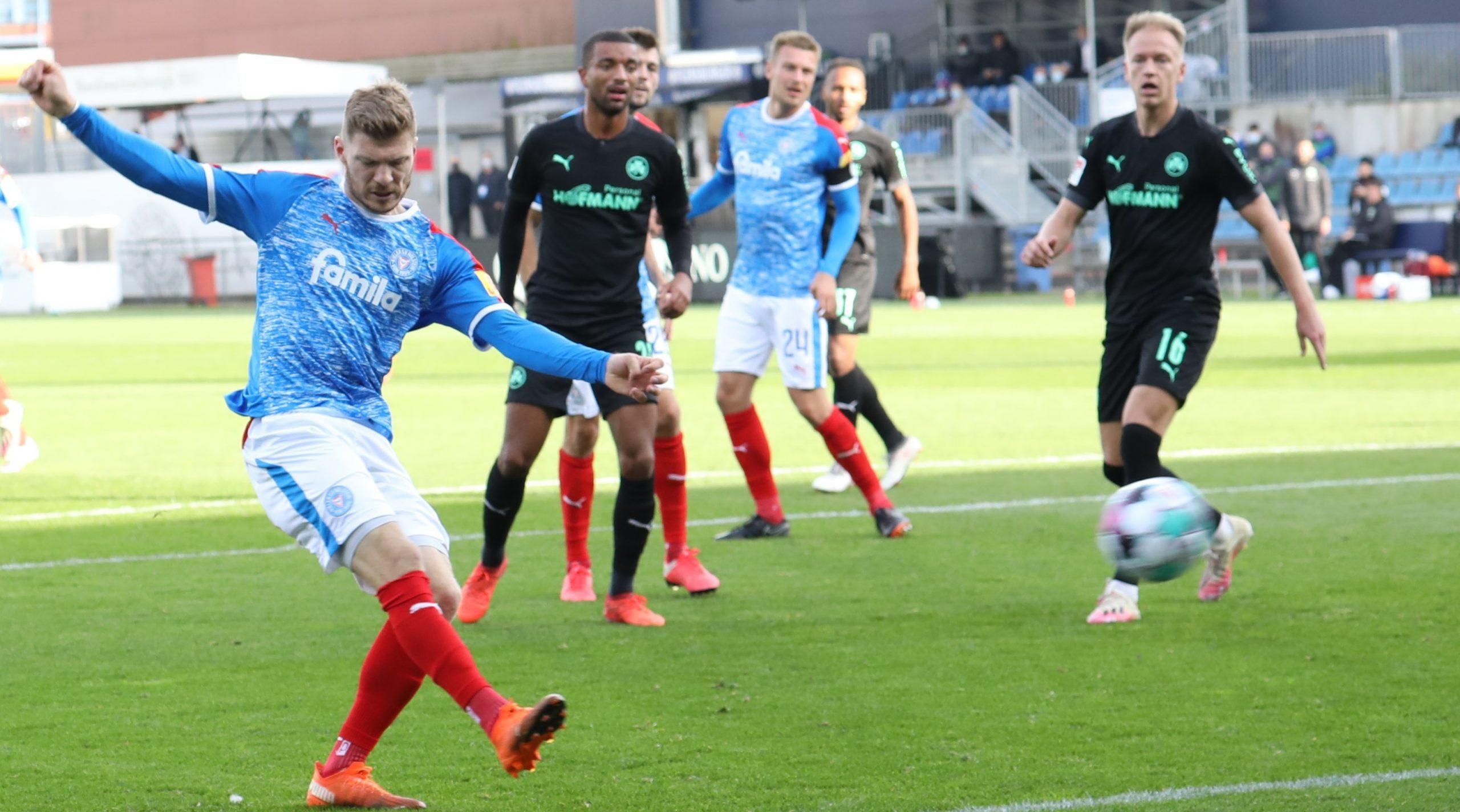 Alexander Mühling traf in seinem 100 Zweitliga-Spiel für die KSV Holstein ins Schwarze