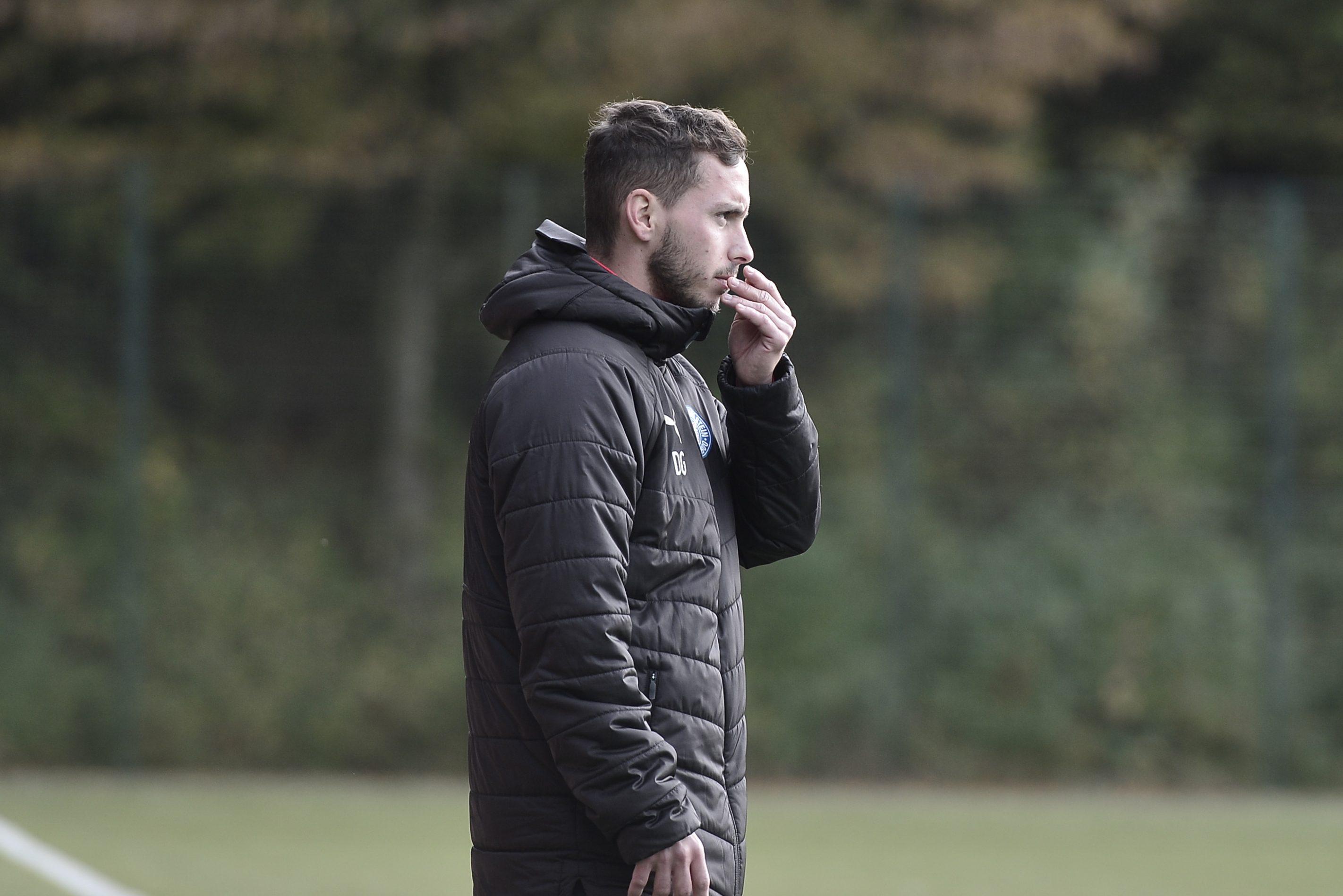 A Jugend Bundesliga Holstein - Dresden Dominik Glawogger (Trainer Holstein)