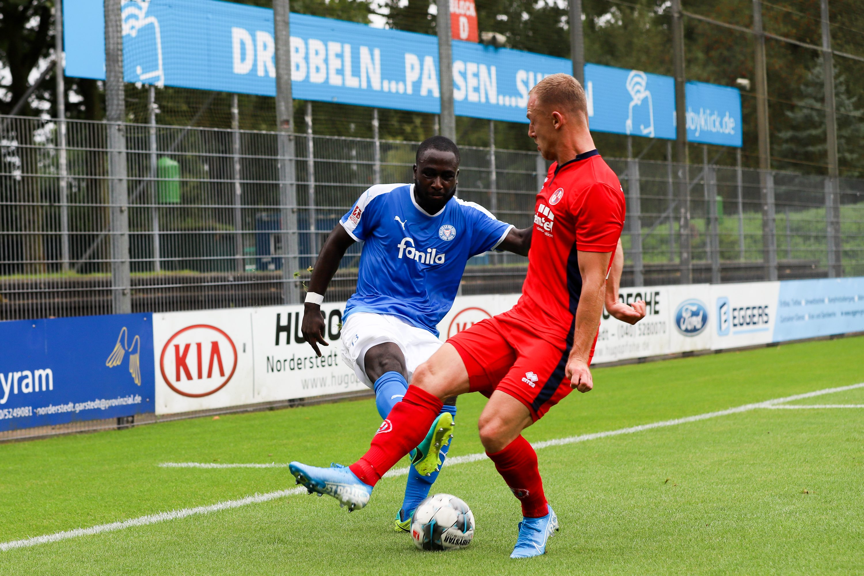 Marcus Coffie (13, Holstein Kiel U23) Nick Brisevac (10, Eintracht Norderstedt )